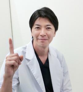 脂肪吸引のポイントを説明する竹江総院長