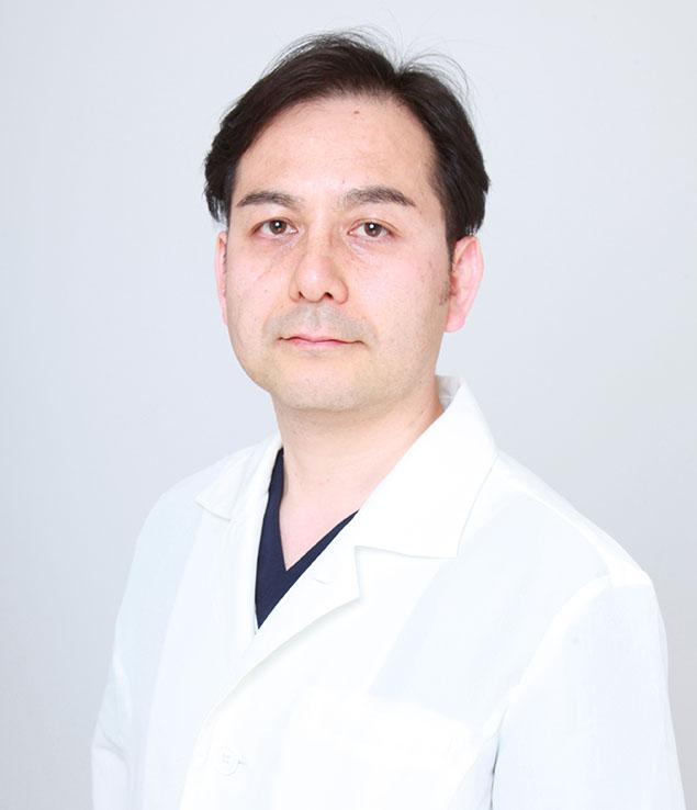 里輝幸医師写真